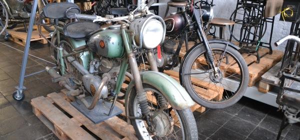 Motorräder im Sammlungsdepot