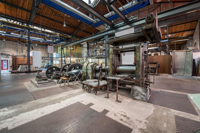 Walzgerüst in Fabrikhalle