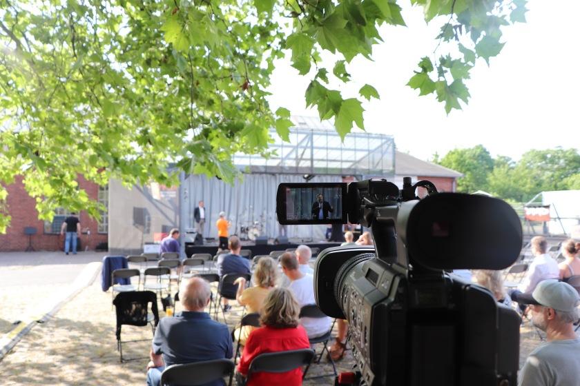 Bühne und Publikum beim Oberhausener Kultursommer, Zentrum Altenberg.